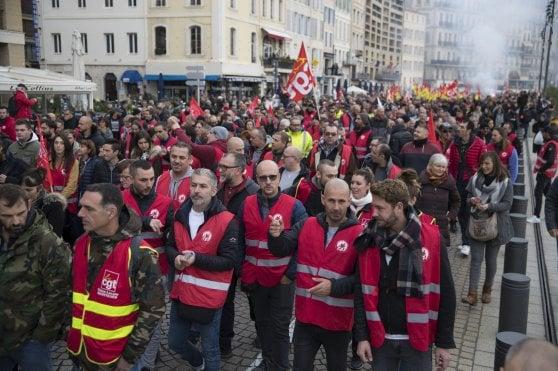 IL PERCHE' DELLE DIFFERENZE DI MOBILITAZIONE TRA ITALIA E FRANCIA